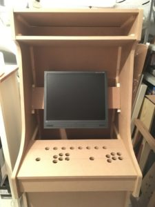 Torso mit Monitor und Control-Panel