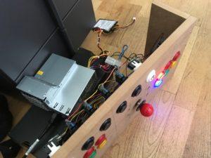 Netzteil und LED-Buttons